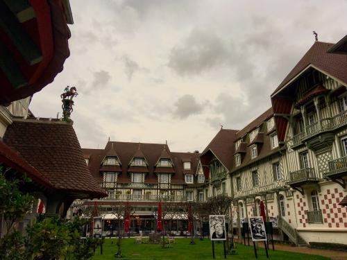 Hôtel Barrière Le Normandy à Deauville 2.JPG